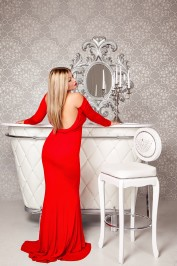 Gretta, Dubai Massage call girl