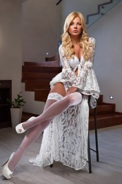 Arina Real, Dubai Massage escort
